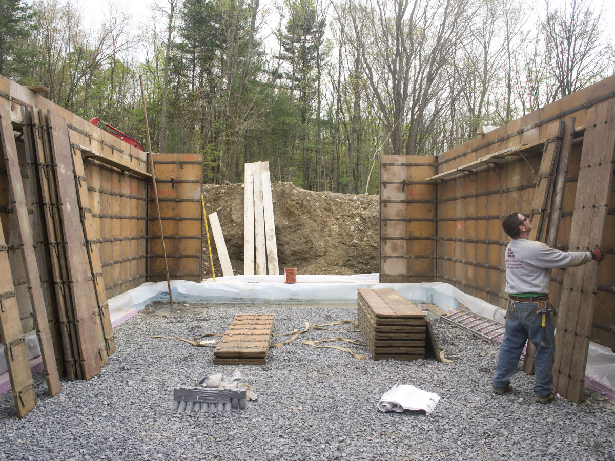 Foundation new hudson valley page 2 for Basement wall forms